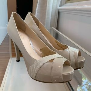Guess - Cream Nude heels with shiny patent
